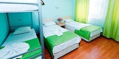 tatil odaları olan otelimizin yatak odası
