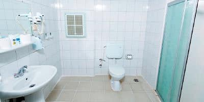 ailece bayram oteli banyosu