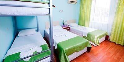 En kaliteli yatakları olan aile oteli