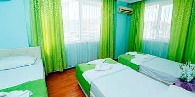 Nehir otel yatak odası