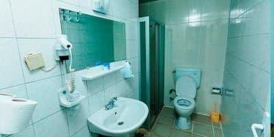 Alanya Nehir apart otel banyosu