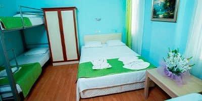 Alkolsüz aile tatil otelimize ait yatak odamız